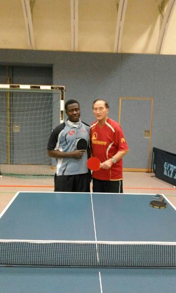 Tischtennis mit Flüchtlingen